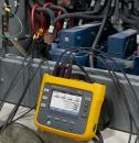 Nešiojamas elektrinės galios ir suvartotos energijos duomenų kaupiklis (eu/us versija) su srovės matavimo jutikliais ir beviele Fluke Connect® sąsaja
