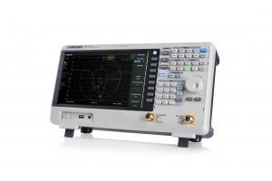 9 KHz - 7.5 GHz RD spektro analizatorius su 100kHz - 7.5GHz VNA (Vektorinė grandinių analizė), Fazinis triukšmas <-98 dBc/Hz, RBW 1 Hz-3 MHz, Min. DANL -165 dBm/Hz, Bendras amplitudės tikslumas<0.7 dB, Palaiko: TG,atstumas iki defekto, Išplėstinis matavi