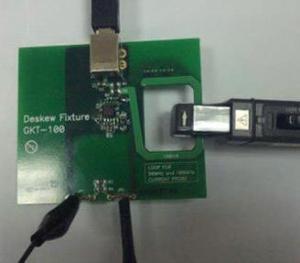 Vėlinimo tarp pasyvinio įtampos zondo ir srovės matavimo replių kompensavimo rėmelis GDS-3000 serijos osciloskopams