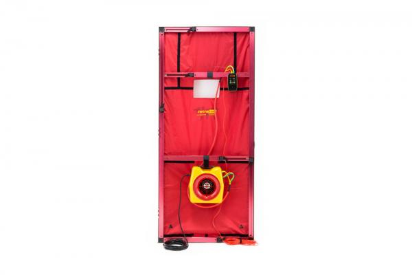 Pučiančios durys, 1 slėgio sudarymo ventiliatorius modelis 300 išsiurbiamo oro srautas iki 900 m3/h su DM32 wifi mikromanometru, su standartiniu durų rėmu skirtas pasyviems namams ir ortakiams