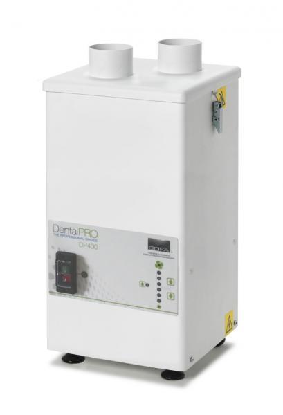 400m³/h ištraukimo ir filtravimo sistema keletui vartotojų DentalPRO 400 skirta veiksmingai pašalinti susidariusias potencialiai kenksmingas dulkes ir dūmus dantų implantų apdailos metu, su 24V start/stop moduliu