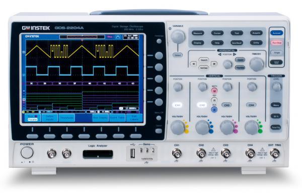 200MHz, 4-ių kanalų skaitmeninis osciloskopas, 2GS/s, atmintis 2Mtšk., ekranas SVGA 20,3cm