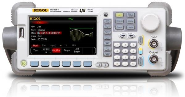 350MHz, 1 GS/s, 14 bitų, 128 Mtšk.  laisvos formos ir funkcinių signalų generatorius