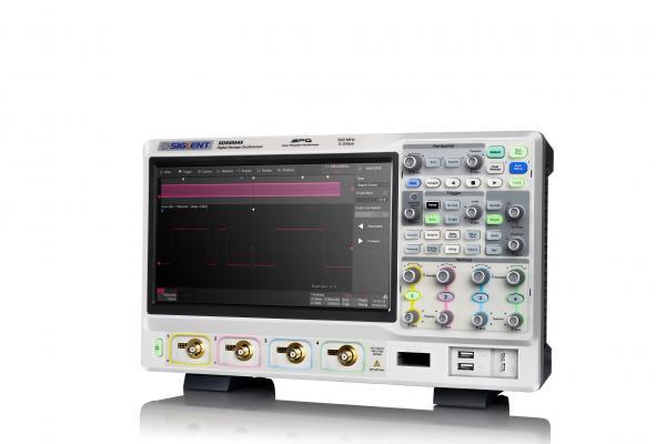 """1GHz, 4-ių kanalų skaitmeninis osciloskopas, 5GS/s, atmintis 250Mtšk., signalo atvaizdavimo ekrane dažnis 480,000kart./s, ekranas 10.1""""(1024x600), SPO technologija (Funkcinio generatoriaus, 16 kanalų loginio analizatoriaus parinktys)"""